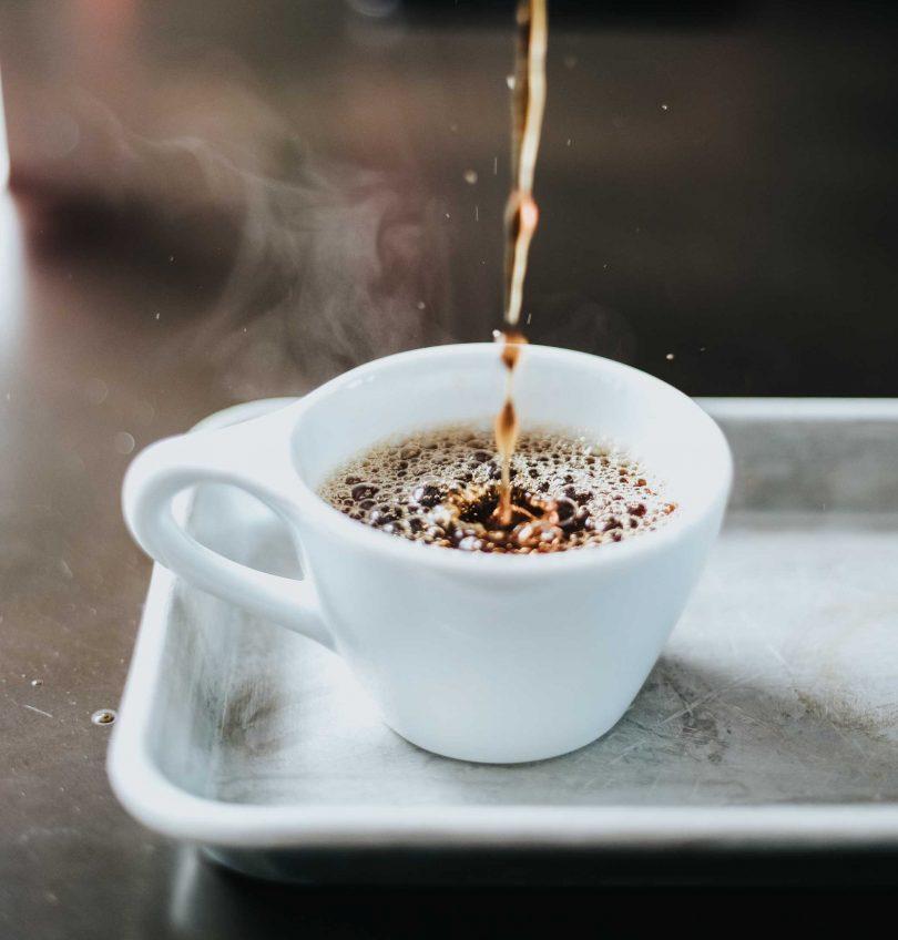 café e viagem